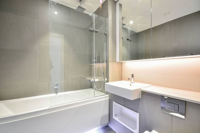 Thumbnail Flat for sale in Central Avenue, Fulham, London