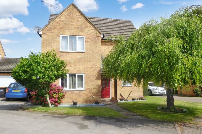 Thumbnail Detached house for sale in Forge Close, Chalton, Luton