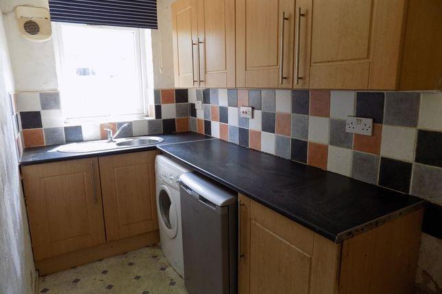 Kitchen of Glenlee Road, Bradford BD7