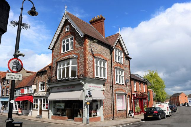 Thumbnail Flat to rent in Buttermarket, Thame