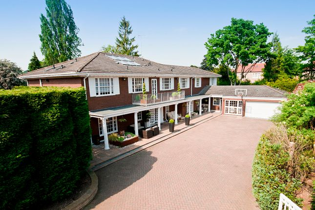 Thumbnail Detached house for sale in Seymour Close, Nugents Park, Hatch End, Middlesex