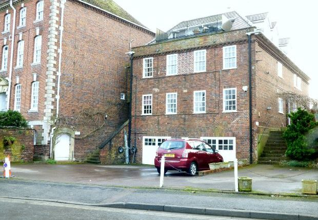 Thumbnail Flat for sale in Waterside, Upton-Upon-Severn, Worcester