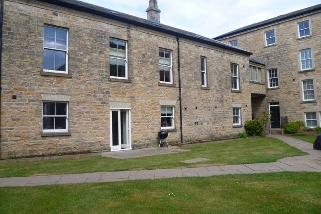 Thumbnail Town house to rent in Berry Hill Lane, Mansfield