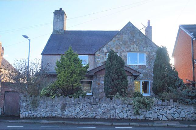 Thumbnail Detached house for sale in Ffordd Coppy, Denbigh