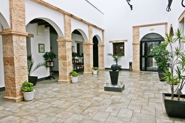 Thumbnail Hotel/guest house for sale in Patio Alegria, Medina Sidonia, Spain