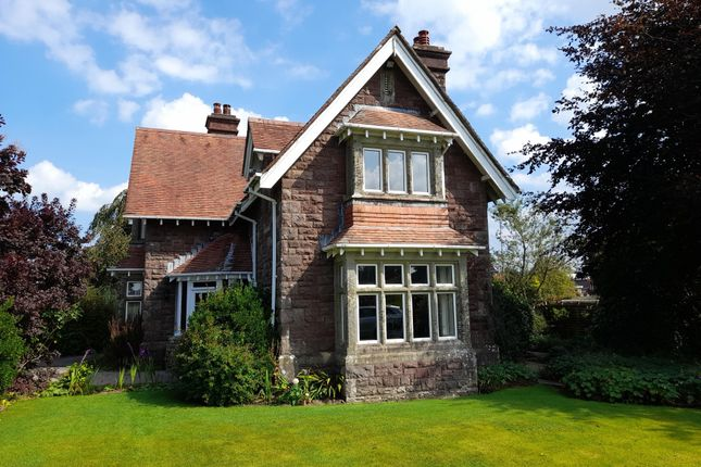 Thumbnail Country house for sale in Erwlon 25 Carmarthen Road, Llandeilo