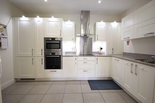 Thumbnail Flat to rent in Cedar Court, Humphris Place, Sandford Road, Cheltenham