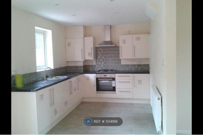 Thumbnail Terraced house to rent in Glenister Road, Chesham
