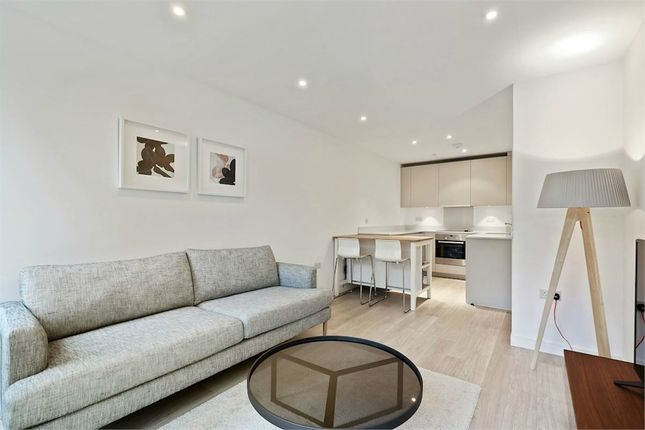 Thumbnail Flat for sale in Tennyson Apartments, Croydon