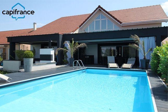 Thumbnail Villa for sale in Lorraine, Moselle, Saint Avold