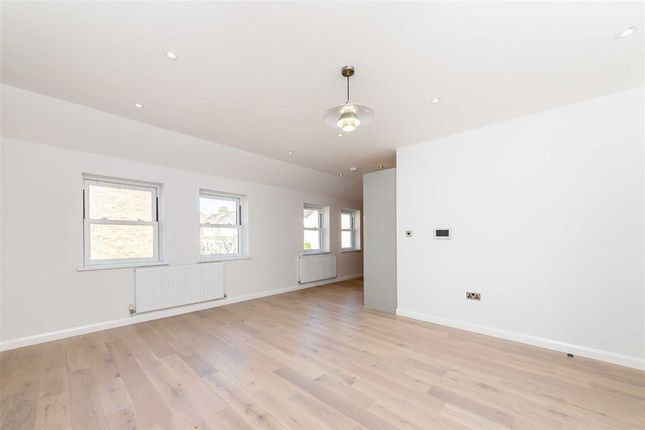 Thumbnail 1 bed flat for sale in Hamilton Road, London