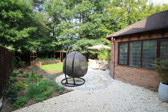 Picture 16 of Verica Gardens, Pamber Heath, Tadley RG26