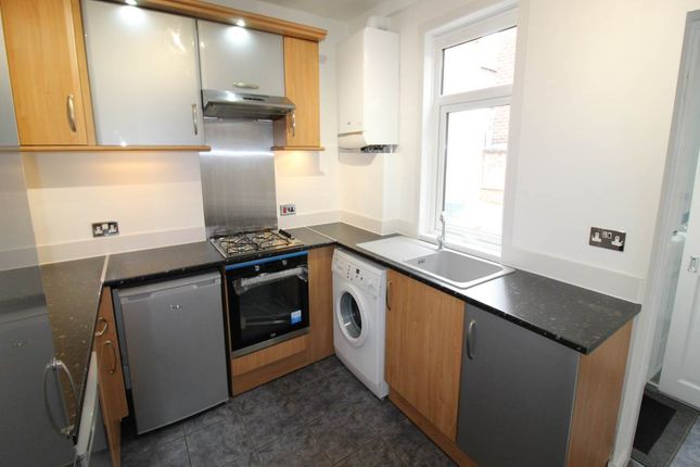 Thumbnail Property to rent in Oxford Street, Ardsley, Barnsley