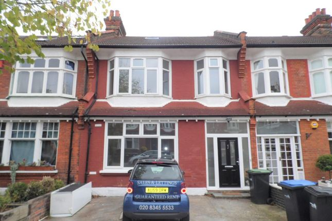 Thumbnail Flat for sale in Burford Gardens, Palmers Green, London