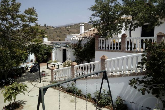Country house for sale in Velez-Malaga, Axarquia, Andalusia, Spain