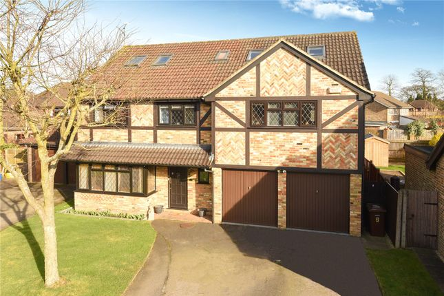 Thumbnail Property for sale in Fennel Close, Farnborough, Hampshire