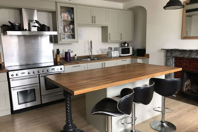Thumbnail Room to rent in Room 1, 7 Market Square, Daventry