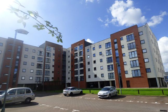 2 bed flat for sale in Pilgrims Way, Salford
