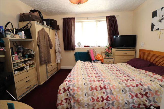 Picture No. 11 of Erith Road, Erith, Kent DA8