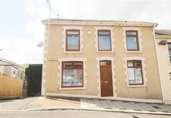 Thumbnail End terrace house for sale in Crawshay Road, Penygraig, Tonypandy
