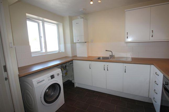 2 bed flat to rent in Aylsham Drive, Ickenham, Ruislip UB10