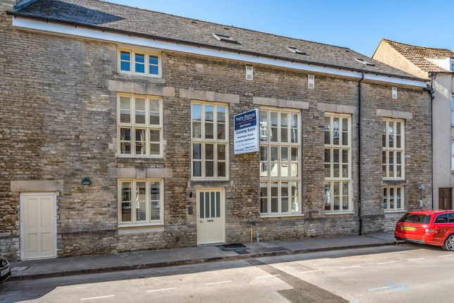 2 bed flat to rent in Chipping Street, Tetbury GL8