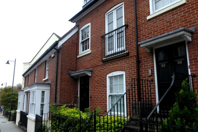 Flat to rent in Station Road West, Canterbury