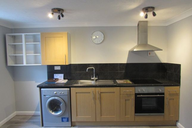 Thumbnail 1 bed flat to rent in West Street, Wisbech