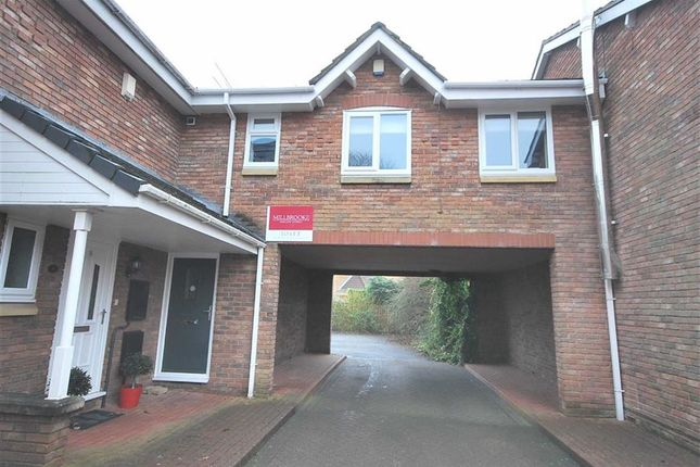 Thumbnail Flat to rent in Millcrest Close, Worsley, Manchester
