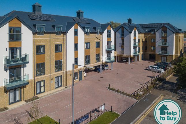 Thumbnail Flat for sale in Hamilton Place, Colchester