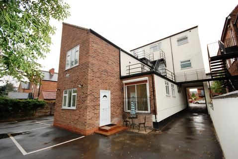 1 bed flat to rent in Musters Road, West Bridgford, Nottingham NG2