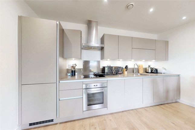 Picture No. 18 of Delancey Apartments, 12 Williamsburg Plaza, London E14