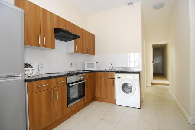 Thumbnail Flat to rent in Lockyer Road, Flat 1, Plymouth