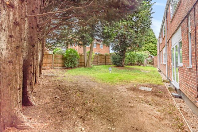 Picture No. 28 of Burhill Grove, Pinner, Middlesex HA5
