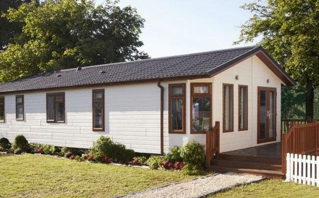 Thumbnail Mobile/park home for sale in Axbridge Road, Cheddar