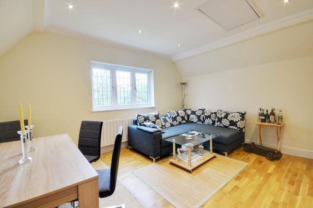 Thumbnail Flat to rent in Bushey Grove Road, Bushey