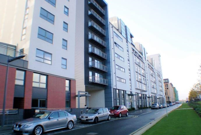 Thumbnail Flat to rent in Glasgow Harbour Terraces, Glasgow