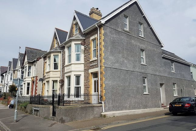 Thumbnail Maisonette for sale in Victoria Avenue, Porthcawl
