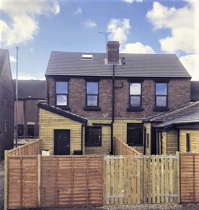 1 bed flat to rent in Weeland Road, Knottingley WF11