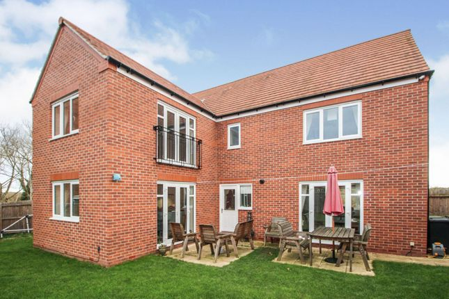 Rear View of Falling Sands Close, Stour Valley Kidderminster DY11