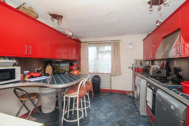 Kitchen of Bayswater Road, Headington, Oxford OX3