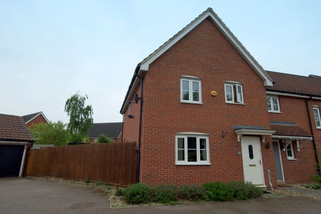 5 bed property for sale in Meadowsweet Road, Wymondham