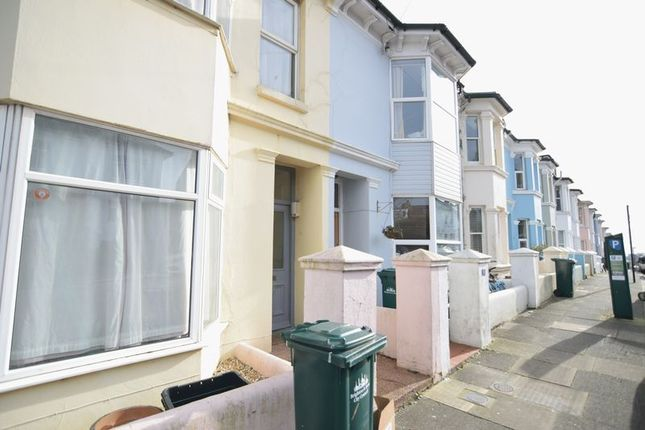 Thumbnail Terraced house to rent in Crescent Road, Brighton