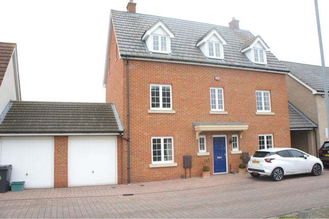 Thumbnail 5 bed detached house for sale in Baden Powell Close, Chelmsford