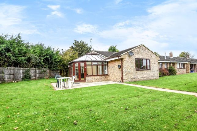 Thumbnail Bungalow to rent in Kings Meadow, Bicester