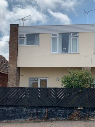 2 bed flat to rent in Dale Court, Deepdale Road, Harwich CO12
