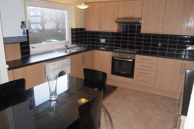 Thumbnail Flat to rent in Glenacre Road, Cumbernauld