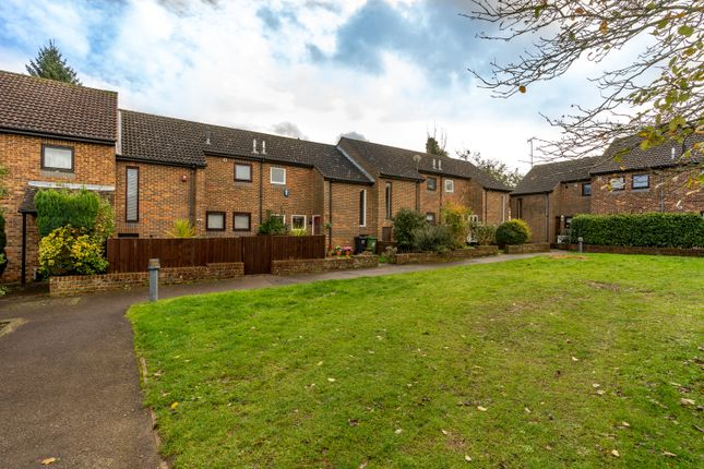 2 bed terraced house for sale in Farmers Close, Leeds, Maidstone ME17