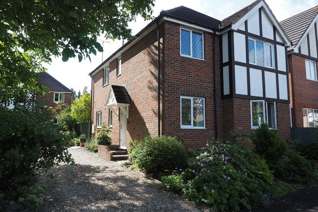 Thumbnail Detached house to rent in Cobbetts Ride, Tring