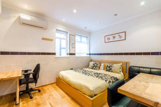 Thumbnail Studio to rent in Milestone Apartments, Finsbury Park
